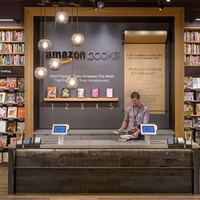 Az Amazon kinyírta a könyvesboltokat, hogy aztán nyisson egy sajátot