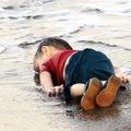 [18 +] A fotóújságírás korlátai: amiről a vízbe fulladt szír kisfiú fotója nem szól