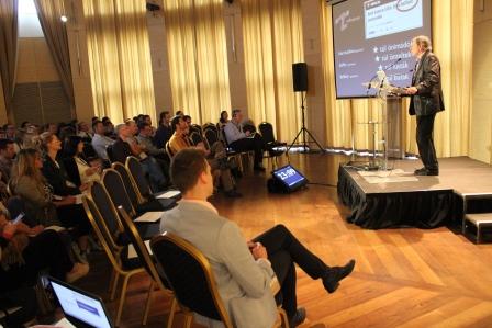 celkeresztben_a_z-generacio_konferencia_sas_istvan_cimzetes_foiskolai_tanar_2.JPG
