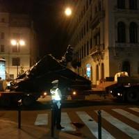 Az éjszaka sötétjében csempészték be a sokak által vitatott megszállási emlékművet Szabadság térre