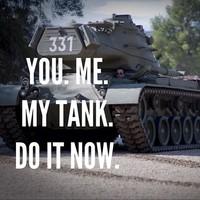 Egy tankban Arnold Schwarzeneggerrel