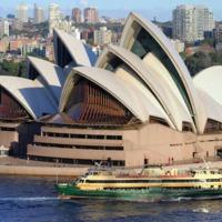 Mennyire kell berúgni ahhoz, hogy felmásszon valaki a Sydney-i Operaház tetejére?
