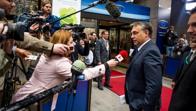Orbán Viktor celebbé válása