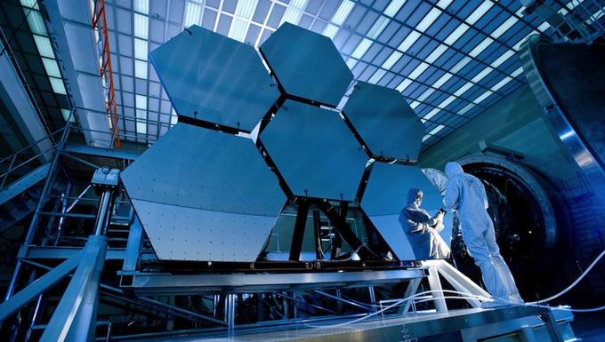Így készül a világ legnagyobb teleszkópja