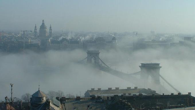 11 elképesztő fotó ködbe burkolt nagyvárosokról