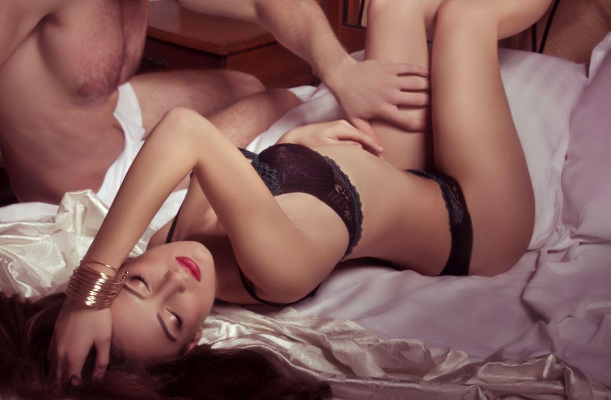 nők, akik sokat spriccelnek hármasban olaj pornó