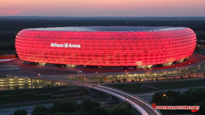 Allianz_Arena_1366x768.jpg