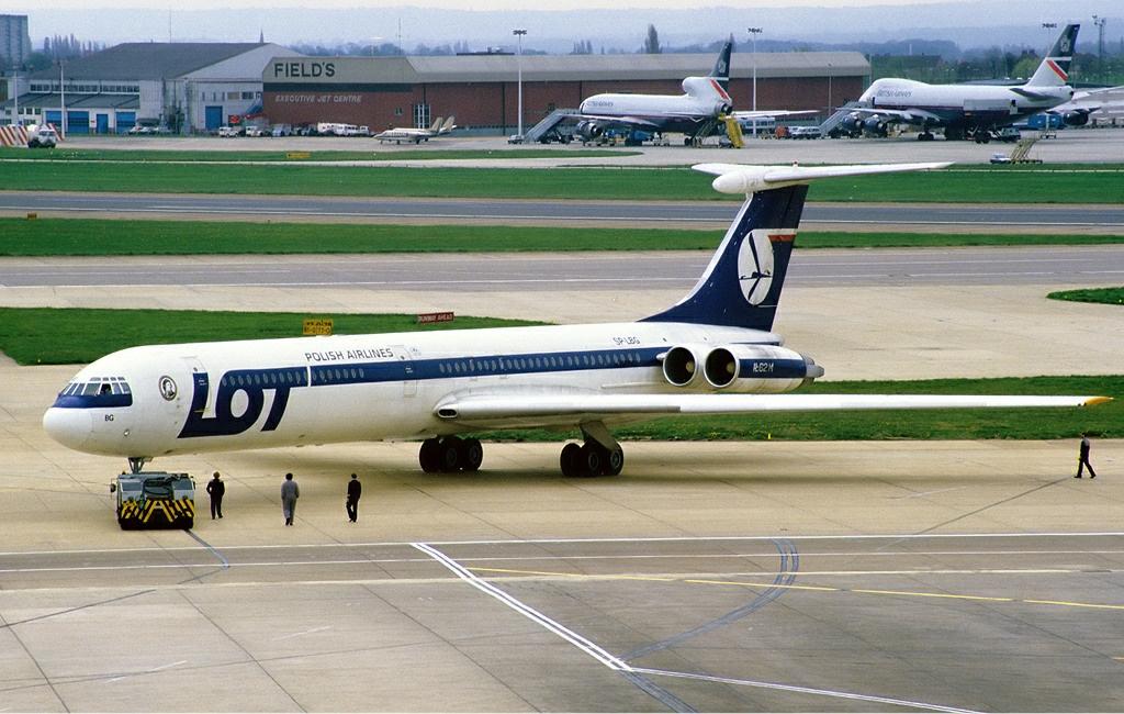 LOT_Ilyushin_Il-62M_Rees.jpg
