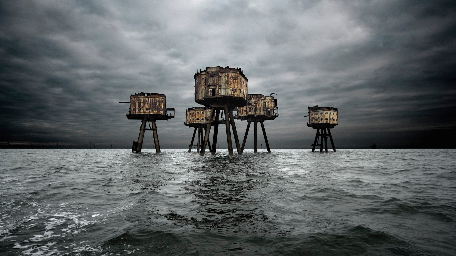 Maunsell Forts in the Thames Estuary, England.jpg