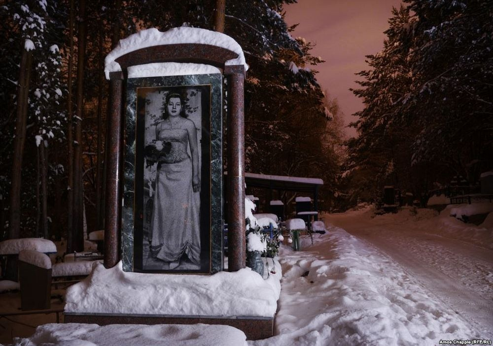 gangster-cemetery-yekaterinburg-172.jpeg