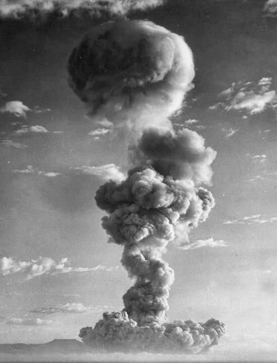 plumbob-nuclear-test-550x720.jpg