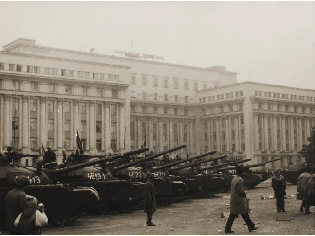 tanks-in-bucharest-romania-romanian-revolution-1989-revolutia-romana-2.jpg