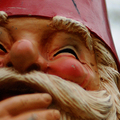 Pályázatok 4/8 ::: Popella Dóra - Antiszociális kerti törpék, mint korunk lelkületének lenyomata