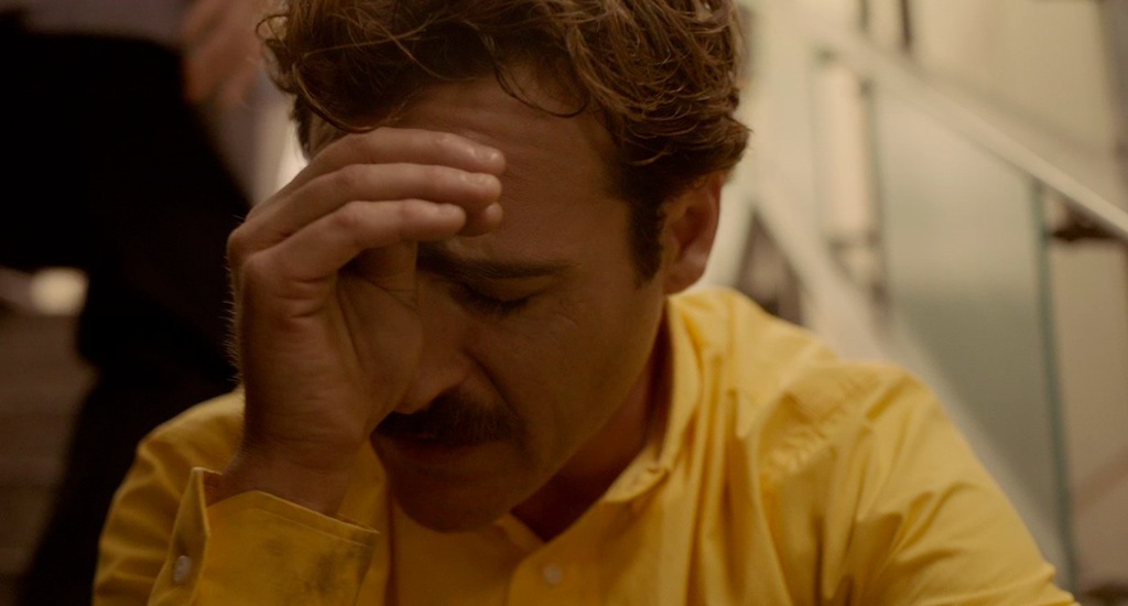 her-movie-2013-screenshot-crying-joaquin-phoenix.jpg