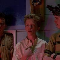 Tizenhat szál gyertya / Sixteen Candles (1984)