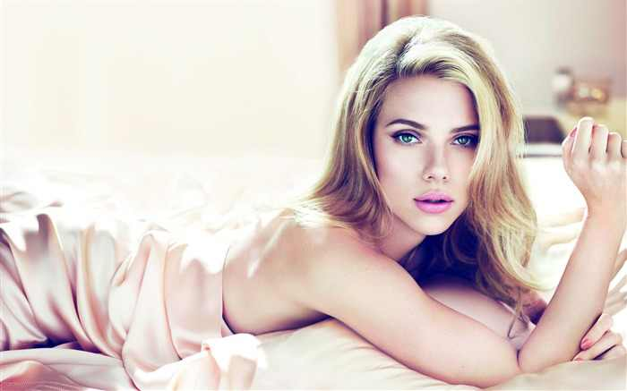 Scarlett_Johansson_beautiful_sexy_photo_wallpaper_15_medium.jpg