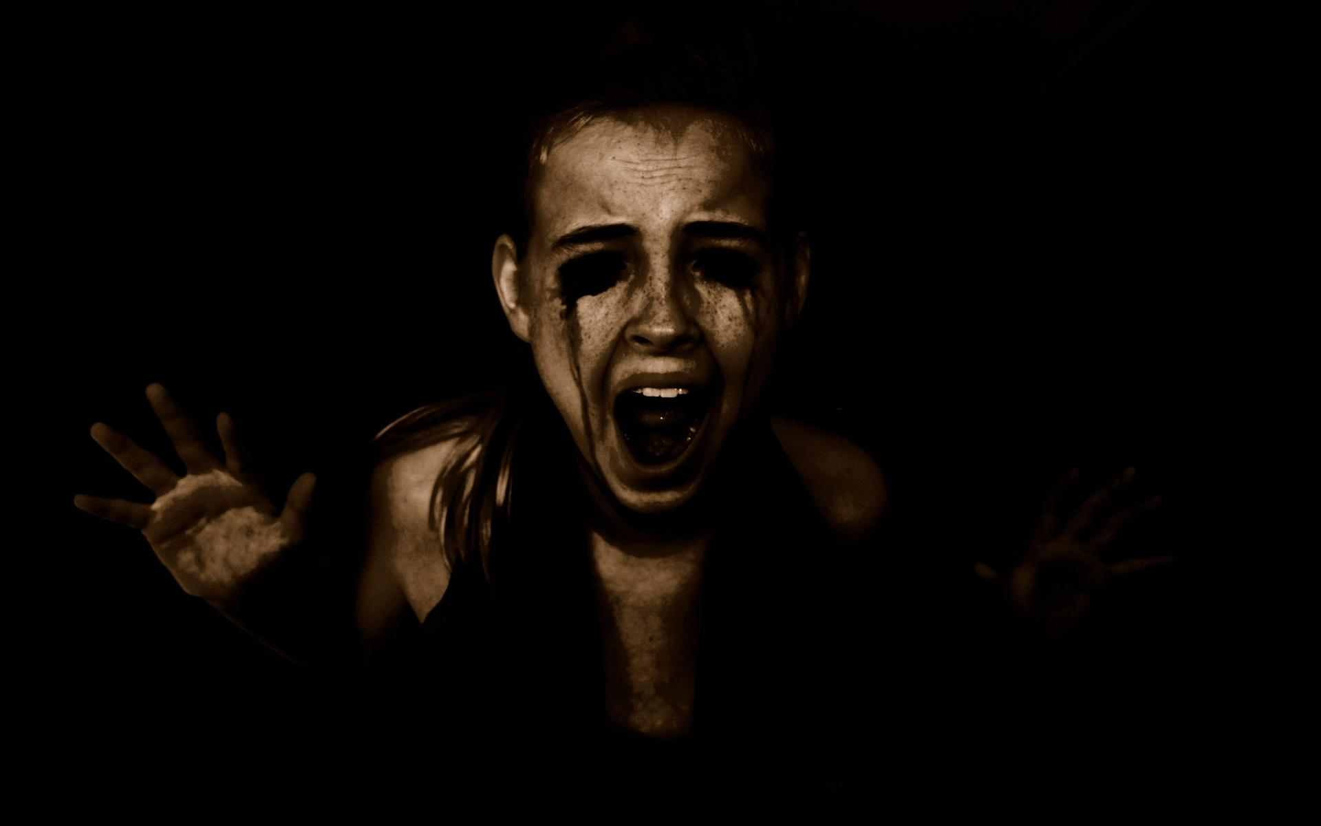 dark-horror-evil-scary-creepy-spooky-halloween-women-girls-blood-demons-face-mood-scream-emotion.jpg