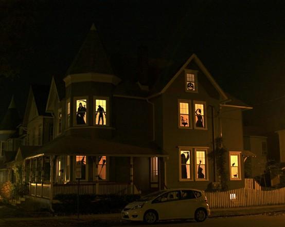 Cool-Halloween-Windows-Decorating-and-Design-Ideas.jpg