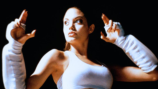 bloody_beginnings_10_angelina_jolie.jpg
