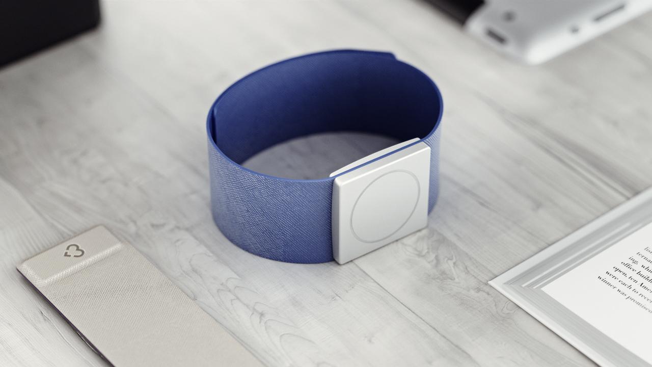 3049906-inline-i-4-embrace-watch.jpg