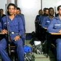 Meditáló rendőrök és katonák - Legyőzhetetlen Honvédelem Technológia