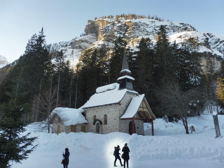 A tóparti kápolna