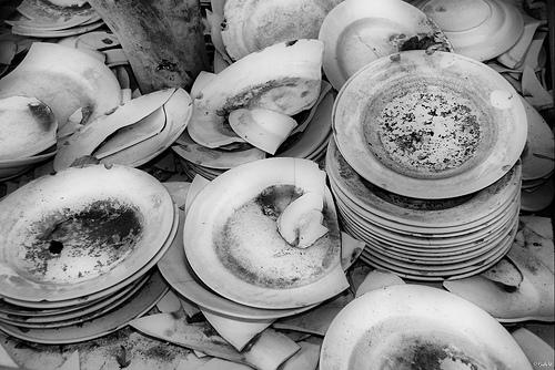 broken-plates.jpg