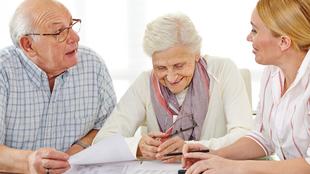 Kérjen telefonos segítséget! – avagy, hogyan segítsünk idősebb rokonainknak a hatékony kommunikációban az orvosokkal