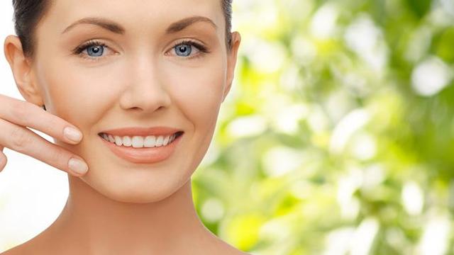 10 dolog, ami segít megőrizni bőröd egészségét, és 10 dolog, ami tönkreteszi