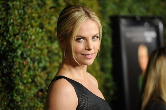 charlize-theron-marie-colving.jpg
