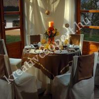 Esküvői dekoráció természetes anyagokkal