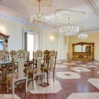 Még mindig eladó az egykori köztársasági palota