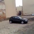 Falbontás autóval