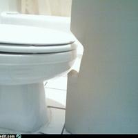 Amikor az ajtólap eléri a WC-t