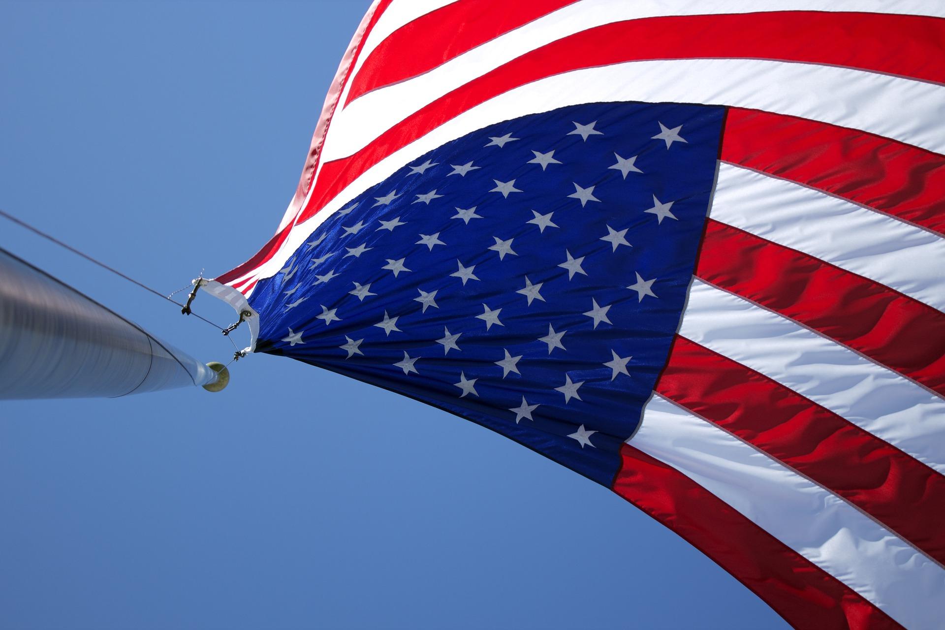 american-flag-1030808_1920.jpg