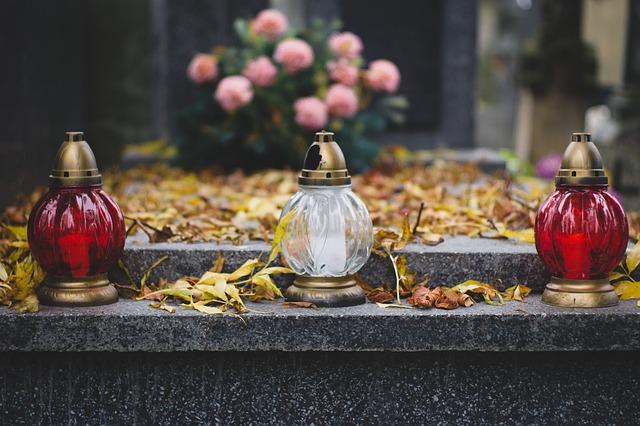 cemetery-2884195_640.jpg
