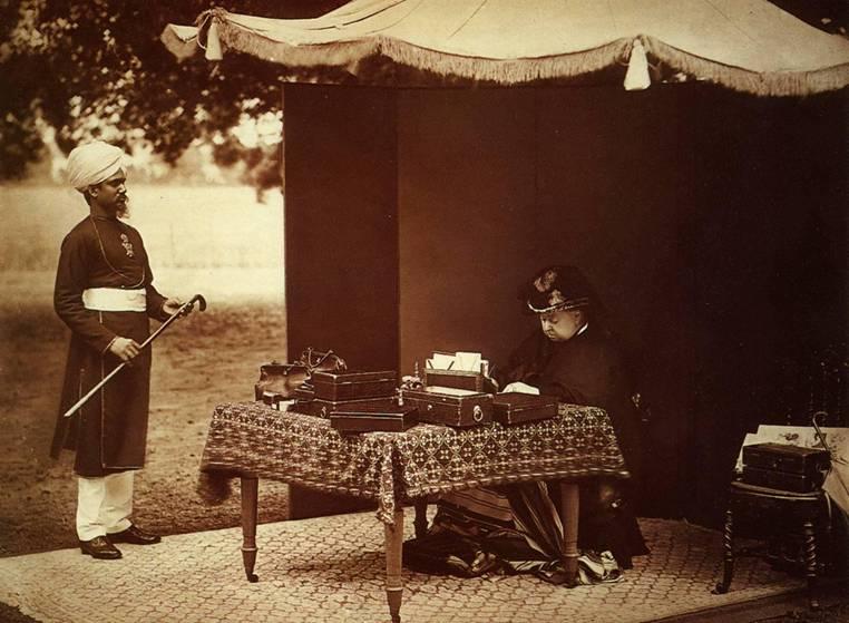 queen_victoria_and_her_indian_servant_abdul_karim_in_1893.jpg