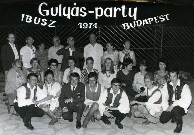 gulyasparti_1971_csapat_kism.jpg