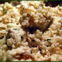 Zelleres-csirkés-almás-petrezselymes-rizses-mazsolás-sós-majonézes saláta-szerűség