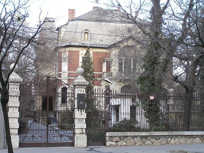 800px-Roheim-villa.JPG