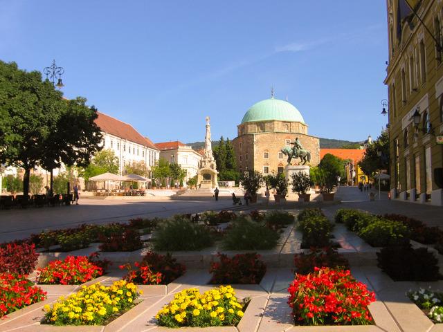 Pécs, az emlékek, a romantika, a pihenés városa
