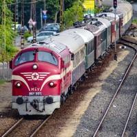 Vonatvadászat extákkal