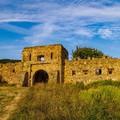 Mini kirándulásaink VII. - Könnyed délutáni séta egy hamis várhoz és egy fura sziklához