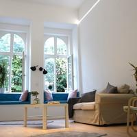 Menő budapesti lakások - Az ablakba kiülés új élménye