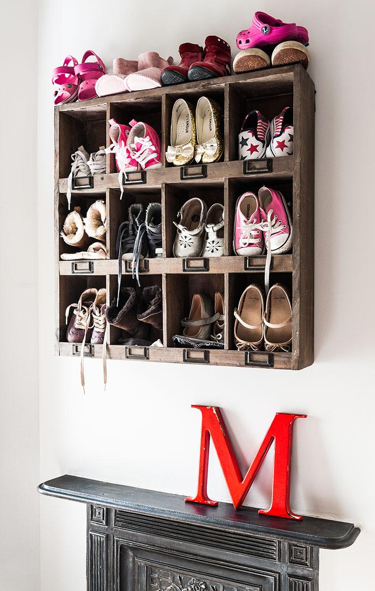 25-shoe-cubby-wall-cabinet-shoe-storage-ideas-homebnc_1.jpg