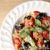 Pesztós kuszkusz saláta