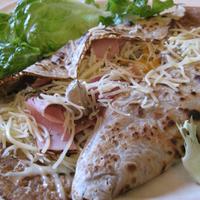 Sajtos-sonkás hajdinapalacsinta (galette)