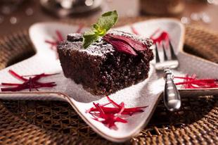 Céklás csokoládé szelet