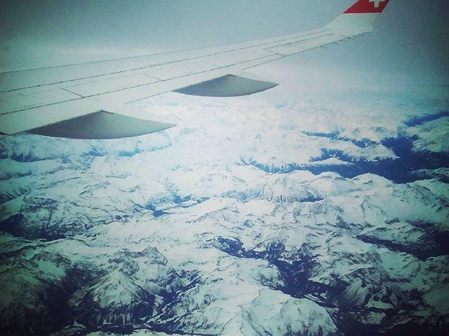 Svájc a magasból. Switzerland from above. #mertutaznijo #eupolisz #svájc #switzerland #flight #plane #alpok #alps #airbus