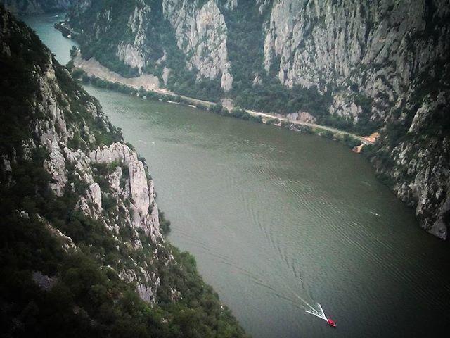 Vaskapu madártávlatból. Iron gorge from birds eye view. #mertutaznijo #eupolisz #romania #danube #duna #hiking